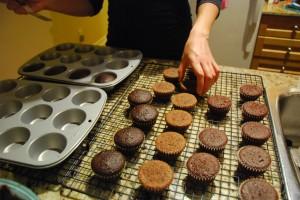 transferring cupcakes onto cooling rack